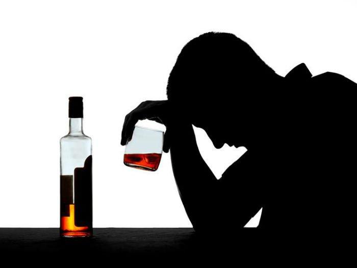помочь выпивающему человеку