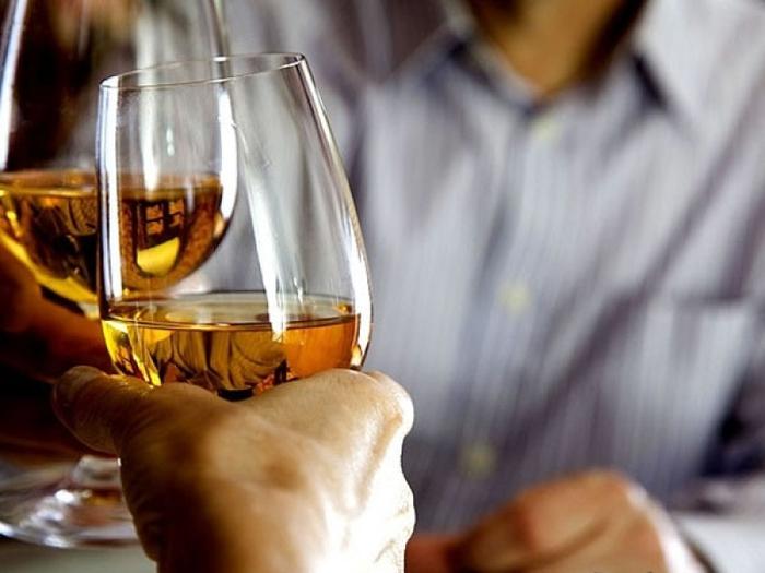 как проявляется зависимость от алкоголя