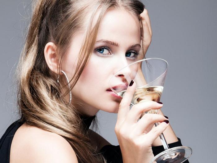 закодированная женщина от алкоголя