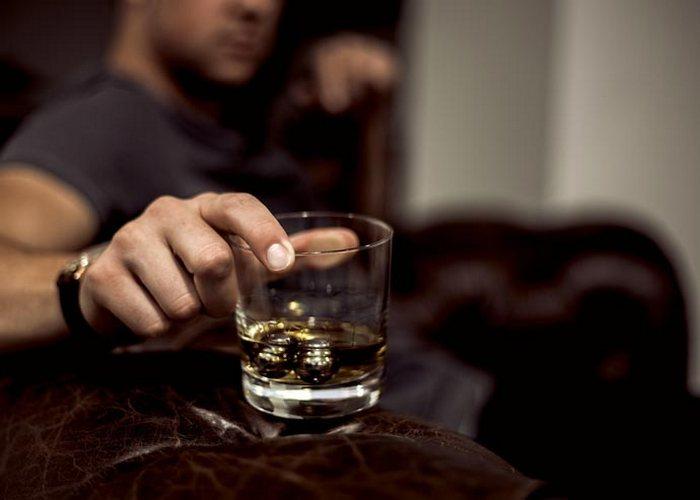 почему муж пьет психология