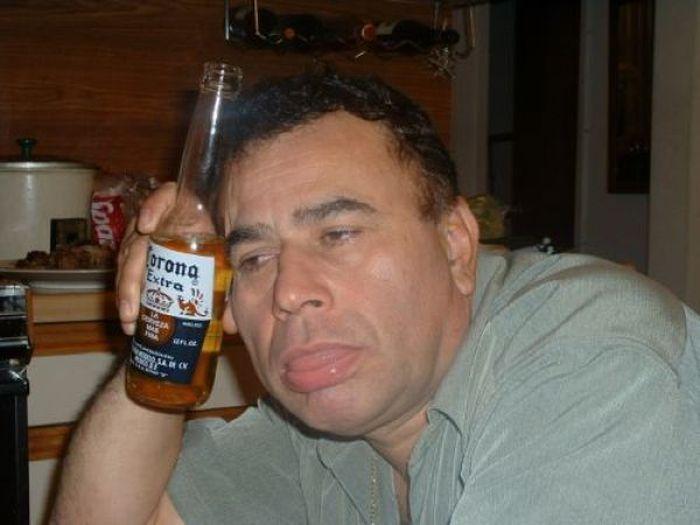 муж регулярно употребляет спиртное