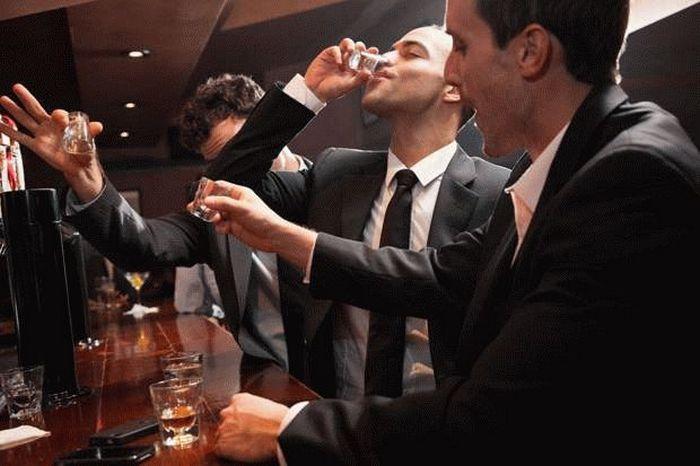 что делать если парень пьет