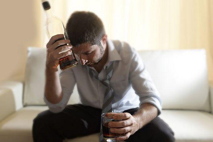 почему мужчина пьет психология