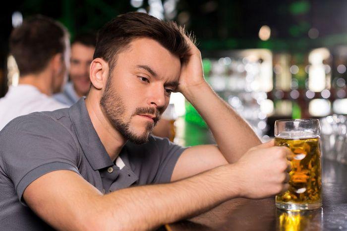 парень алкоголик