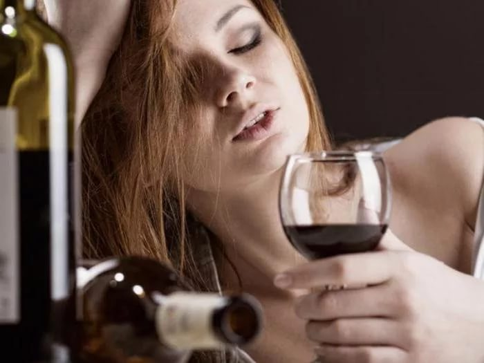 как отучить женщину пить