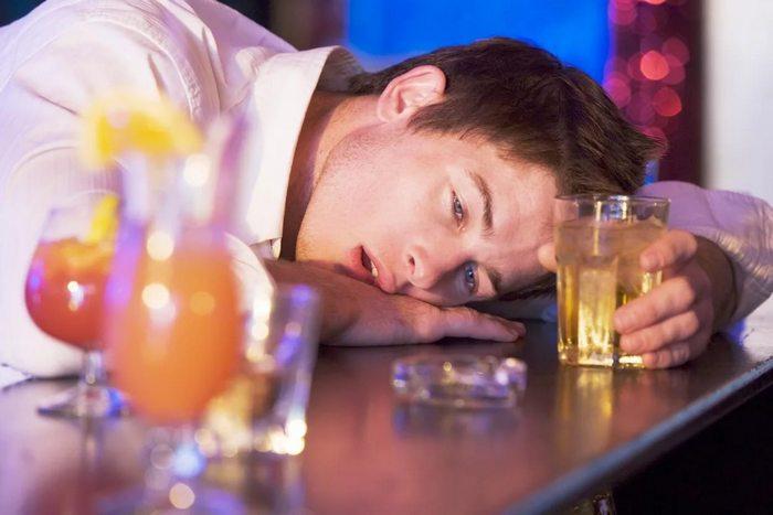 можно ли алкоголь после прививки от столбняка