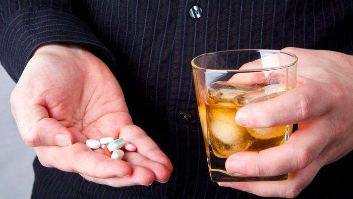 можно ли пить алкоголь с антибиотиками амоксиклав