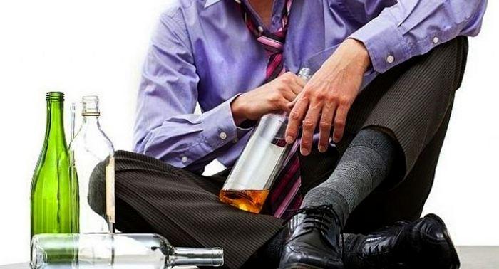 Как распознать первые признаки алкоголизма