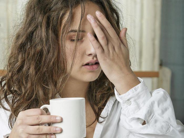 Болит голова с похмелья: какую таблетку выпить