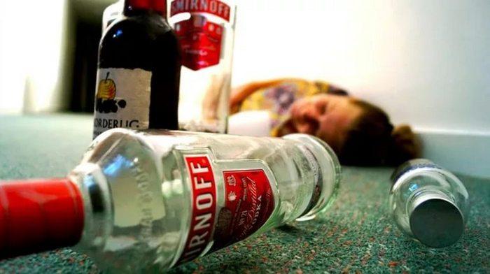 Первая помощь при отравлении алкоголем и интоксикации