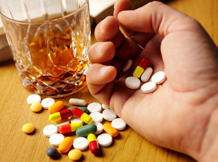 сочетание стероидов и алкоголя