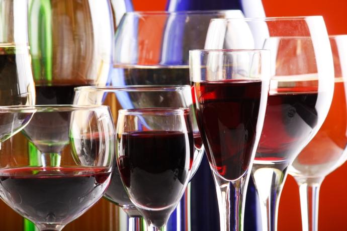 марочные вина по сортам делят на красные и белые