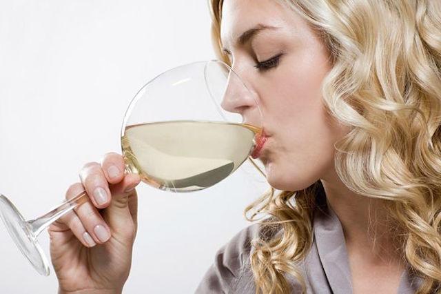 на белое вино аллергия наблюдается реже