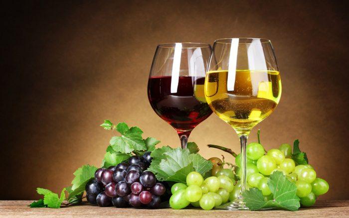 вино белое и красное