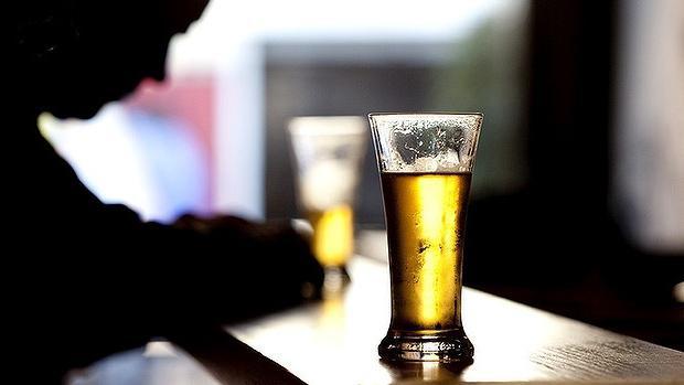 В некоторых пивных барах мошенники могут намеренно добавить в пиво димедрол