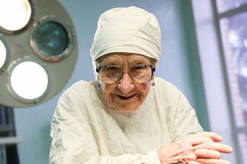 врачей лишили пенсии
