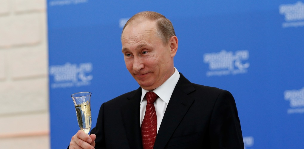 путин разрешил не платить по кредитам